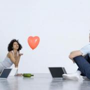 Comment écrire un bon premier message sur un site de rencontre en ligne ?