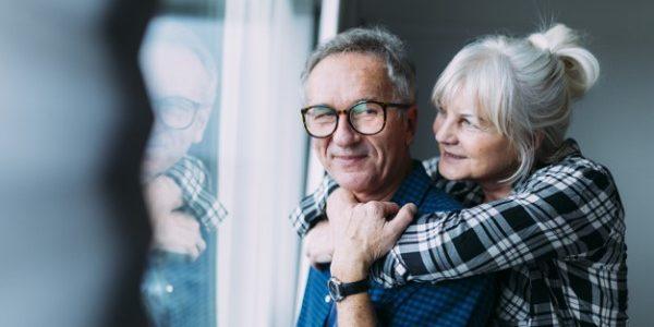 Comment sortir de la solitude et faire des rencontres à 50 ans ?