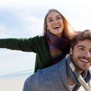 HugAvenue avis : notre point de vue sur le site de rencontre dédié aux célibataires